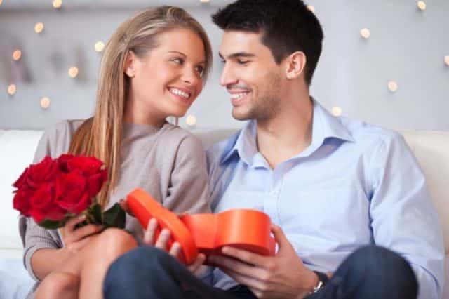 毎日彼があなたを思い出してくれる「本命プレゼント」の選び方
