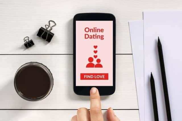 マッチングアプリ 告白 デート